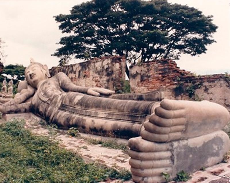 Reclining-Buddha-Ayutthaya-Thailand